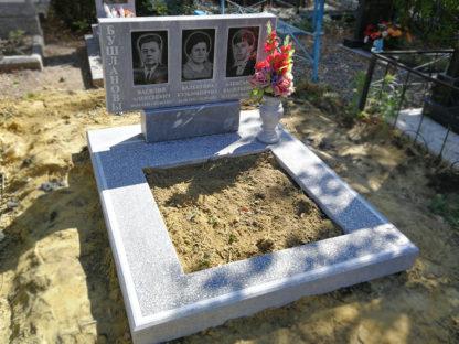Памятник из мрамора тройной 100х50 прямой