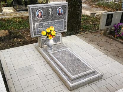 Памятник из мраморной крошки двойной-2