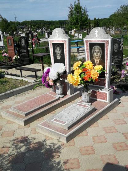 Памятник из мраморной крошки фигурный красный-2