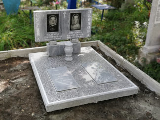 Памятник из мрамора двойной 100х50 прямой