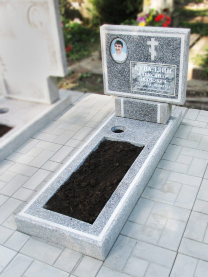 Памятник из мраморной крошки прямой серый